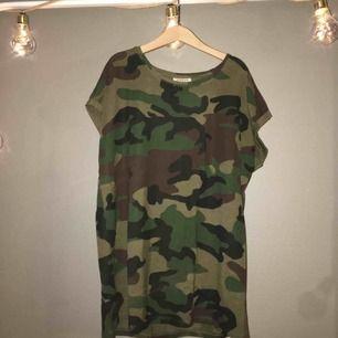 Cool camo-tröja från aware by Vera Moda, aldrig använd💓