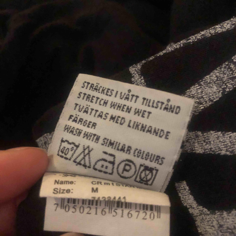 Oversized t-shirt för tjej men köptes ifrån herr, storlek M. Skön kvalité, 100% bomull . T-shirts.