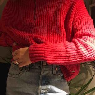 Jätte mysig tröja från Hollister som är perfekt till hösten! Använd fåtal gånger och är i gott skick!💞