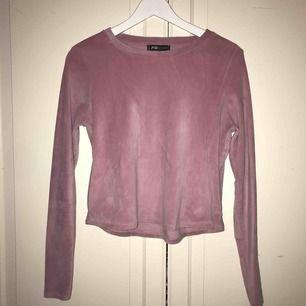 Rosa sammet long sleeve tröja från Newyorker (FBsister) sparsamt använd och i superbra skick!🎀🧚🏼♀️