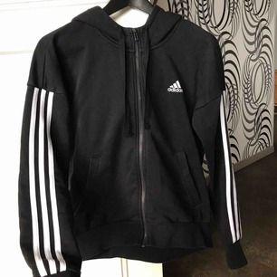 Adidas tröja Storlek 34 Felfri