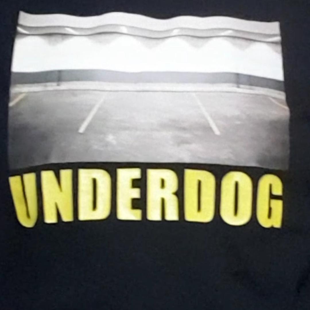 Underdog tshirt från stay. Använder den alldrig så tänker att jag säljer vidare. Knappt använd så dem är i bra skick :). Du står för frakt :). Övrigt.