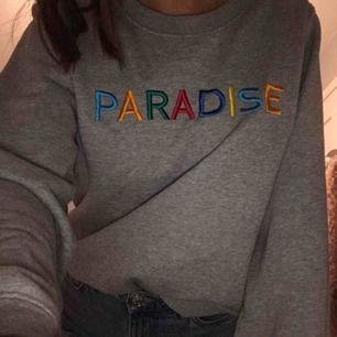 Svinsnygg sweatshirt från bikbok!! Fint skick! 😜💋💓 jätteskön