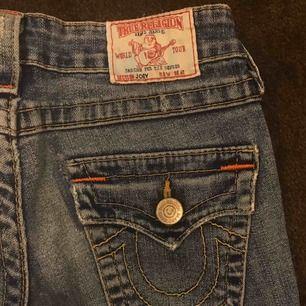 Nice True Religion jeans, sitter såååå snyggt !!