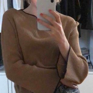 Dö snygg långärmad tröja från zara. Toppen skick nästan aldrig använd.( förhandling om frakt) betalning sker via swish!