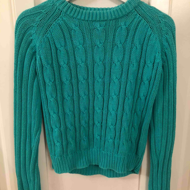 Jättefin stickad tröja från Ullared sticker ingenting, använd fåtal gånger Frakten står ni för själv. Stickat.
