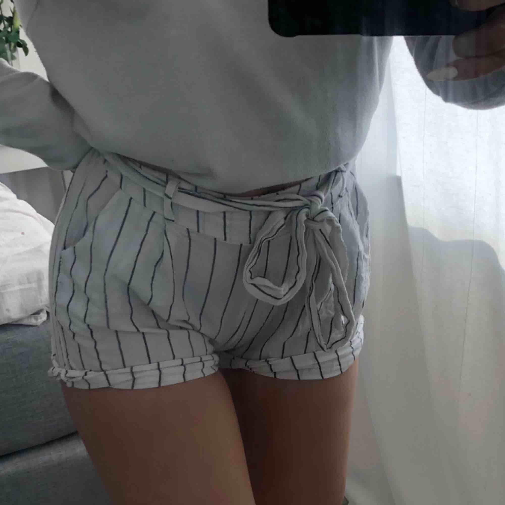 Söta shorts som är helt nya!. Shorts.