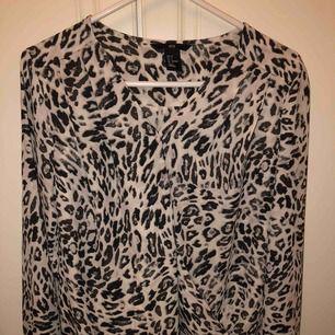 Väldigt Fin leopard blus från hm💕💕