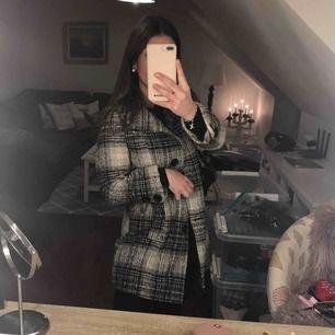 M men passar även S💕 super fin kappa! Varm och perfekt att ha till höst och vintern