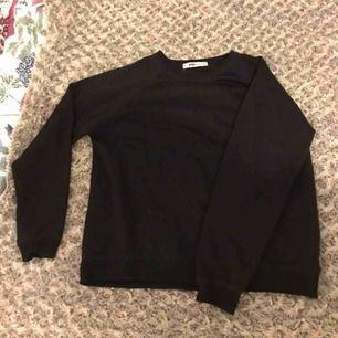 oversized svart långärmad tröja