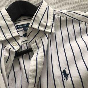 Skjorta från Ralph Lauren i perfekt skick