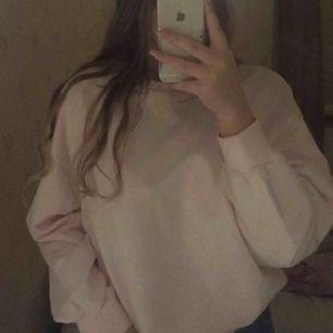 Jätte mysig ljusrosa tröja säljs pga inte min stil frakt tillkommer
