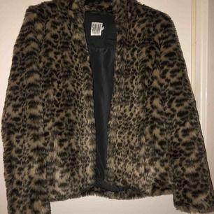 Leopard jacka i mycket bra skick