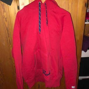 Herrmodell hoodie, skön som oversize hoodie också!