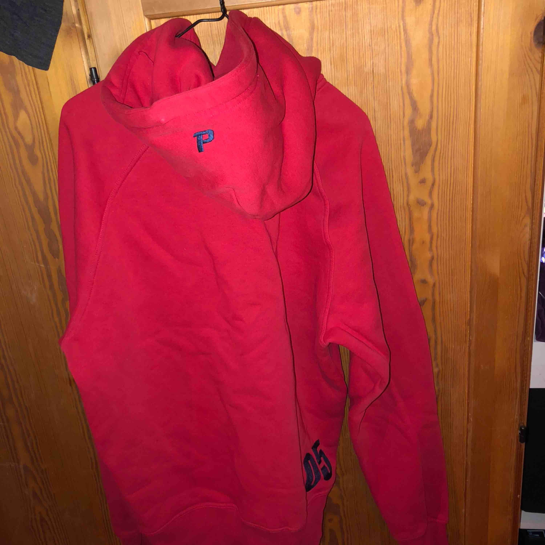 Herrmodell hoodie, skön som oversize hoodie också! . Huvtröjor & Träningströjor.