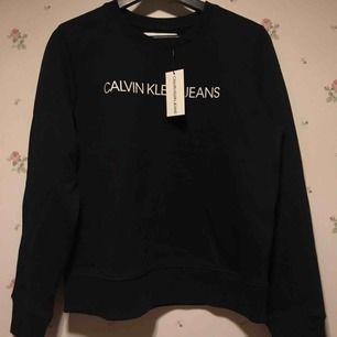Helt ny, oanvänd sweatshirt från Calvin Klein