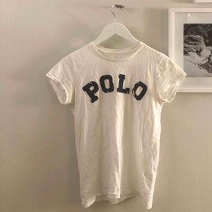 Superfin välanvänd t-shirt från Ralph lauren💛frakt ingår!!