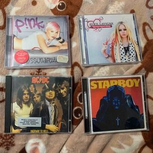 Säljer Cd skivor, 50kr styck, P!NK missundaztood, Avril Lavigne the best damn thing, ACDC highway to hell cog The Weeknd starboy.