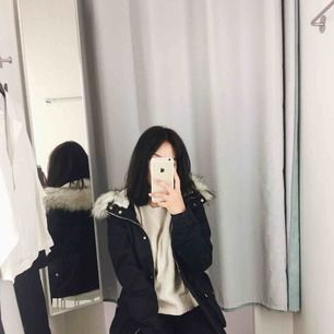 Oanvänd jacka från H&M.
