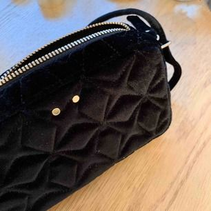 Mini väska i sammet