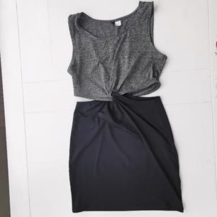 Fin stretching tyo tvådelad men typ ihopflätad klänning från H&M. Ni ser på bilderna. Den får alltså
