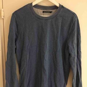 Collegetröja i gott skick från Monoprix Homme. Size: M  ~~ 📍Varje plagg tvättas innan utskick.