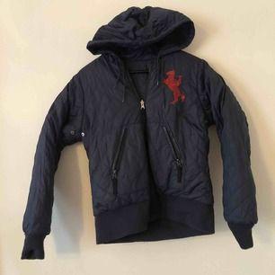 Bondelid Navy Blue reversible jacket. Size 32  Excellent condition