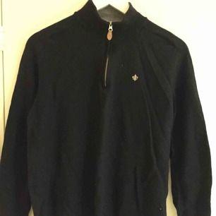 Zip up-tröja i gott skick från Morris.  Size: Saknas men uppskattar till S.  ~~ 📍Varje plagg tvättas innan utskick.