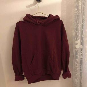 Oversize hoodie från Weekday