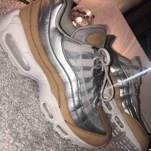 Nike air Max 95 strlk 40 ganska små,oanvända i bra skick