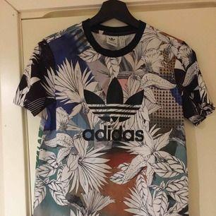 Adidas tröja oanvänd