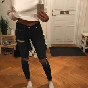 Snygga jeans från Gina, säljer då de inte kommer till användning längre
