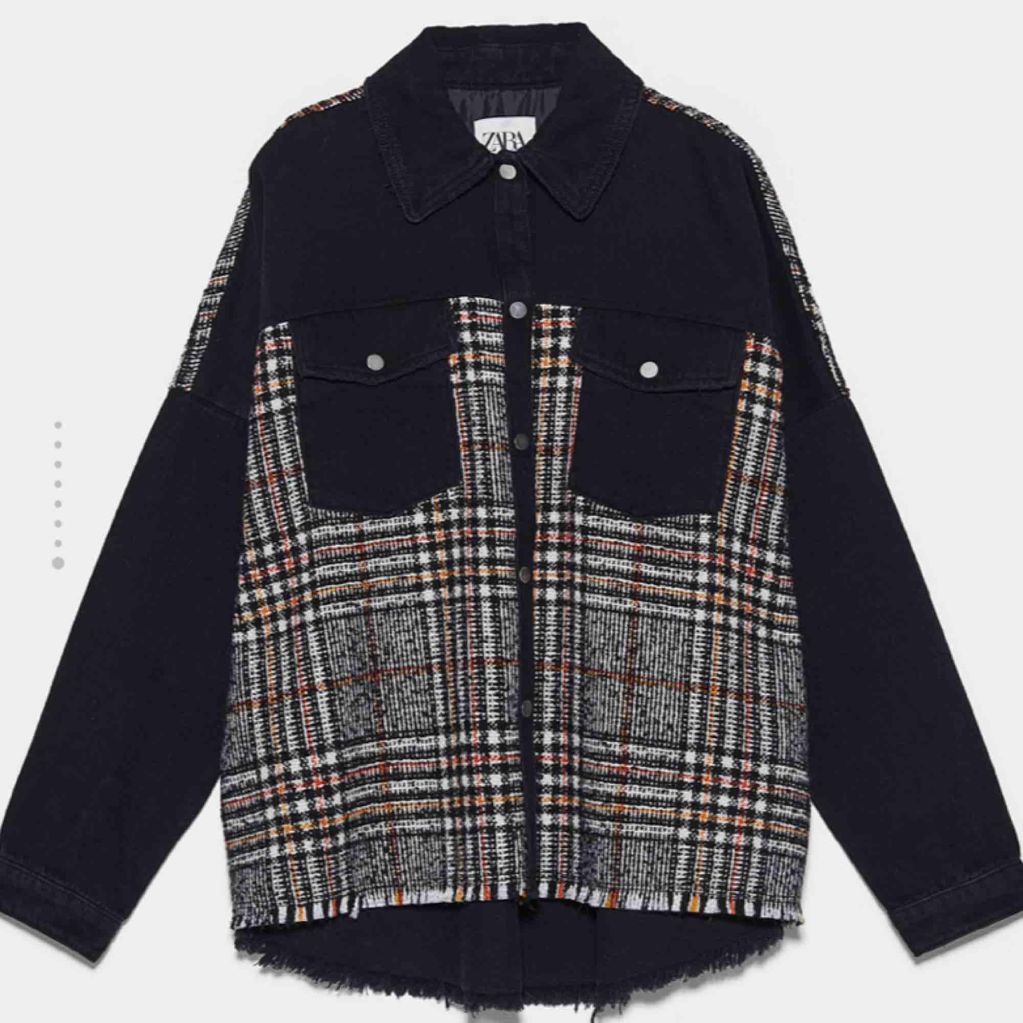 Helt ny jacka från Zara Köpt för 550kr Väldigt populär. Jackor.