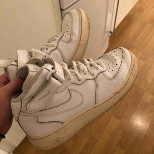 Nike skor. Frakt tillkommer.