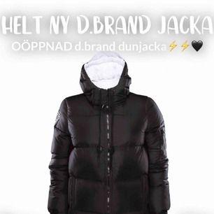 Helt ny oöppnad D.Brand jacka!!!! Klassisk snygg jacka som jag säljer för jag redan har en!🖤