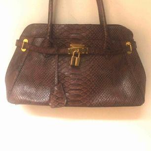 Vintage väska, frakt tillkommer eller möts upp i Stockholm
