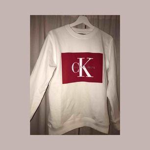Skit snygg Calvin Klein sweatshirt/college tröja💋💕💞💋 I nyskick, frakt tillkommer❣️💞