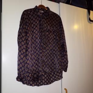 Jättefin vintageskjorta i silke