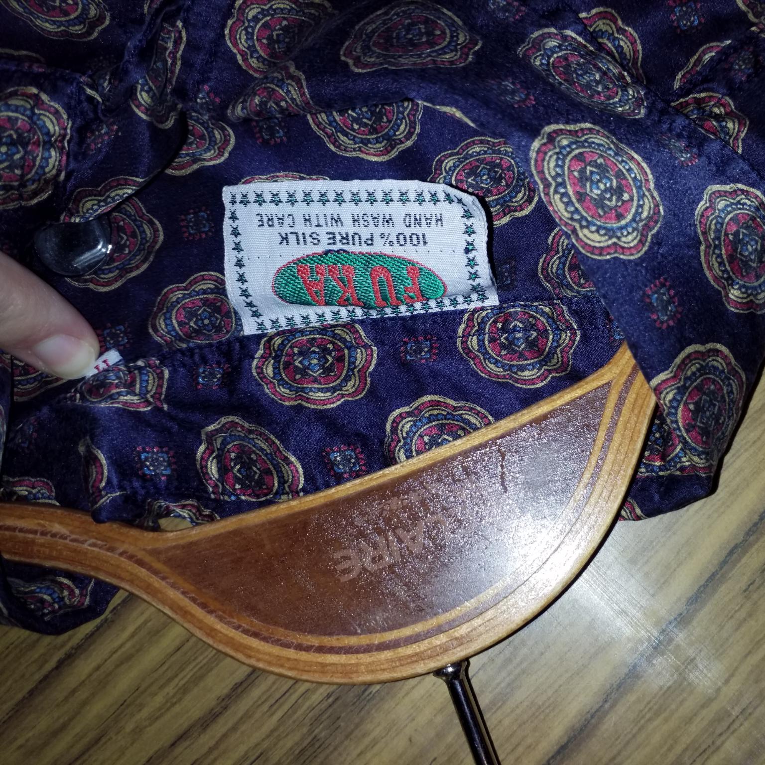 Jättefin vintageskjorta i silke. Skjortor.