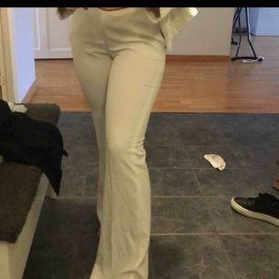 Kostymbyxor från zara helt nya aldrig använda men var för långa för mig!! Nypris : 500