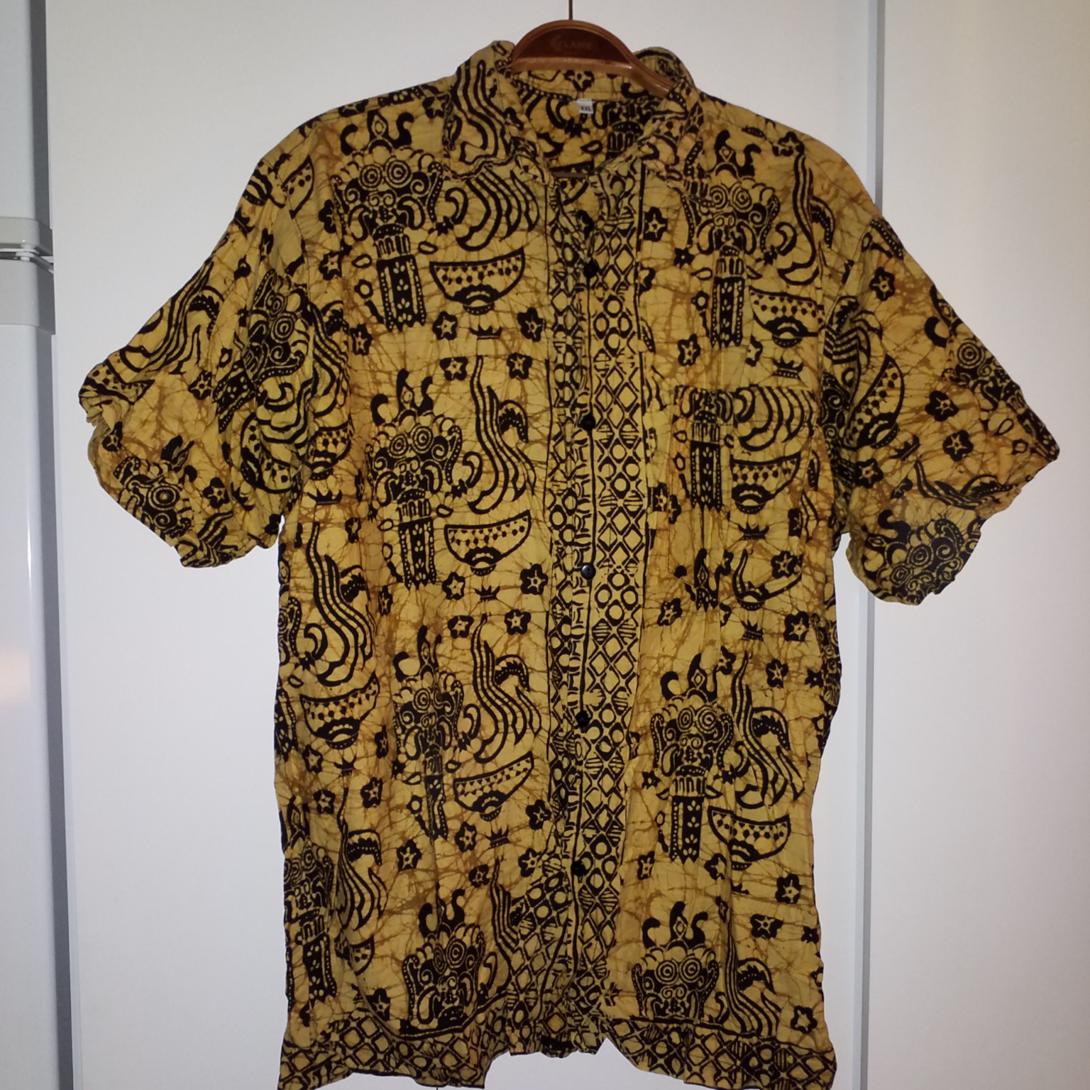Kortärmad vintageskjorta, passar alla upp till xl. Skjortor.