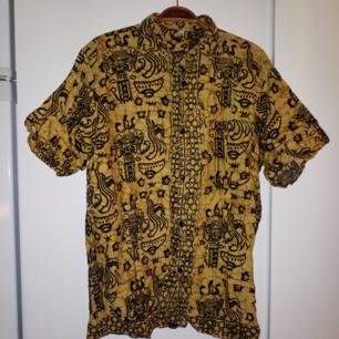 Kortärmad vintageskjorta, passar alla upp till xl