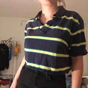 Fin tröja köppt på Humana! skriv vid intresse elöer frågor, köpare står för frakt :)