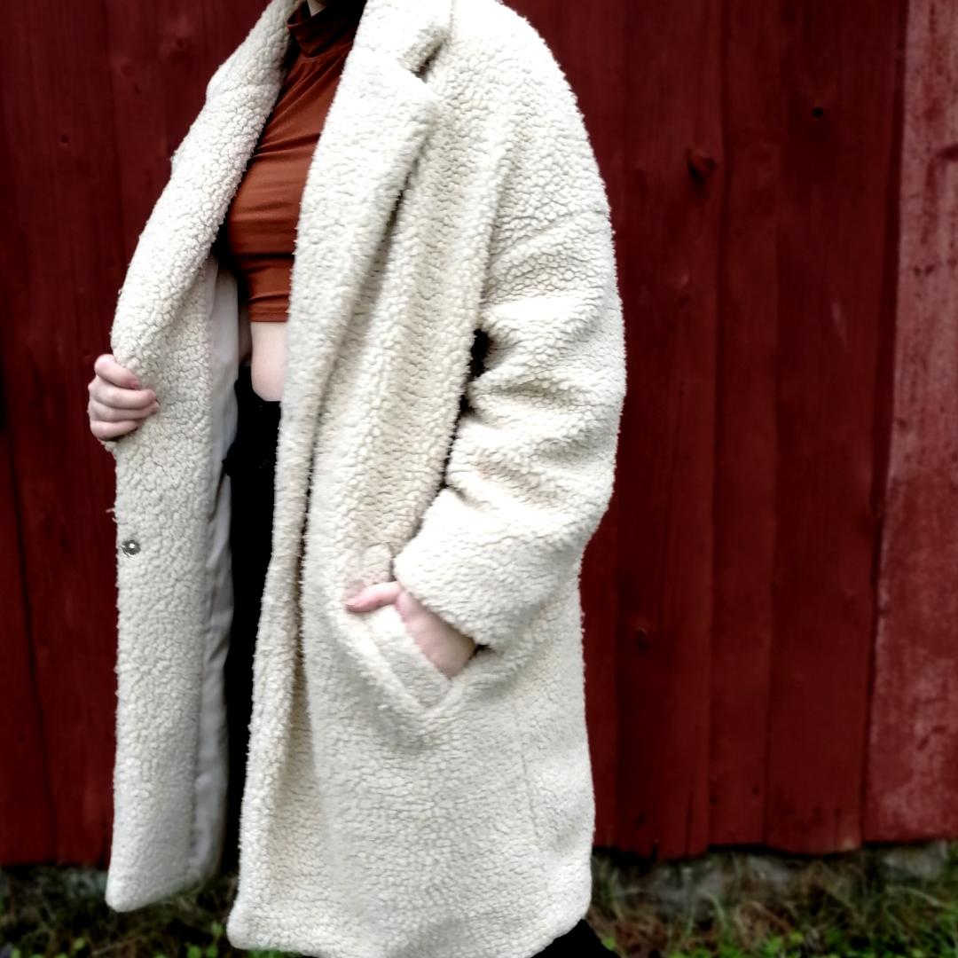 Pile jacka från lager 157 I strl L/XL. Passar bra som oversize. Jättevärmande på vintern och riktigt mysig. Kan mötas upp eller skicka om köparen står för frakt! . Jackor.