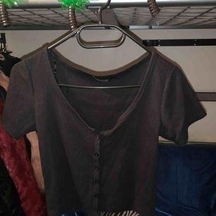 Black t-shirt  size S
