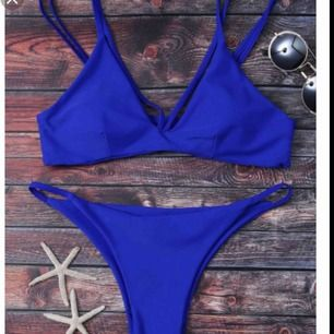 Blå Bikini från Zaful, storlek M men sitter mer som en XS. Frakt 40kr! Oanvänd då jag såg med ögonmått att den var för liten för mig