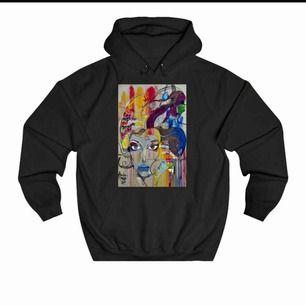 Trendig hoodie från thecoolelephant💫 normal i storleken, säljer eftersom att den inte kommer till användning längre. Frakt tillkommer!🌼