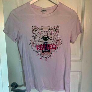 Ljusrosa tröja från Keno. 350 och jag bjuder på frakt.