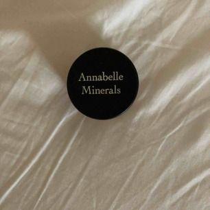 Annabelle minerals rouge i färgen Coral. Oanvänd.