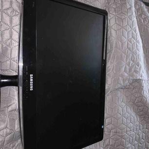 Samsung tv, funkar jätte bra,fjärrkontroll fattas men funkar utan